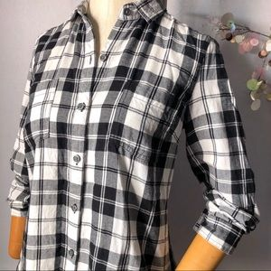 Old Navy Plaid Long Sleeve Button up Shirt